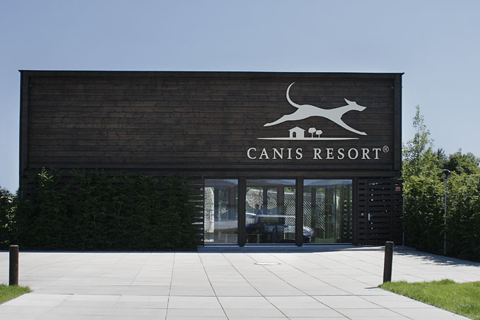 canis-resort