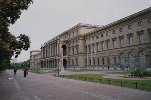 Королевская резиденция экскурсия с русским гидом