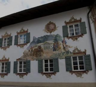 Замок Линдерхоф, расписная деревушка Обераммергау, монастырь Этталь