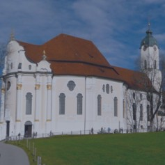 Замки короля Ludwig II – Neuschwanstein, церковь Wieskirche, деревня Oberammergau